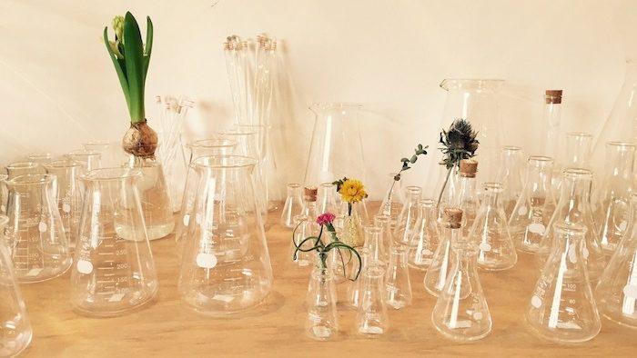 懐かしい理化学ガラス製品を扱うショップ「リカシツ」をレポート