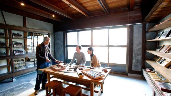 築80年の文房具屋さんを改修。新潟県三条市でものづくりを体感できる宿泊施設「Craftsmen's Inn KAJI」