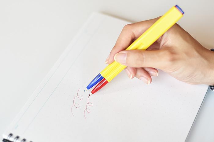 2連ボールペン