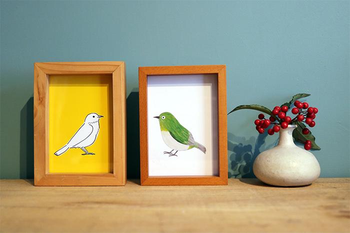 05. 鳥のイラストを額に入れて飾ろう