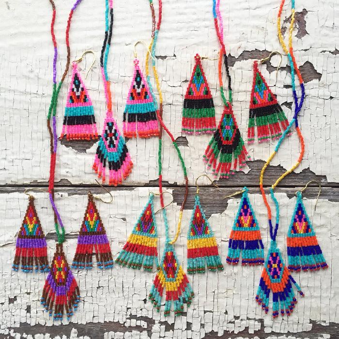 ピアスとネックレスのセットは、ペルーのテキスタイルの織柄や色合わせを参考にデザインしてくださいました!