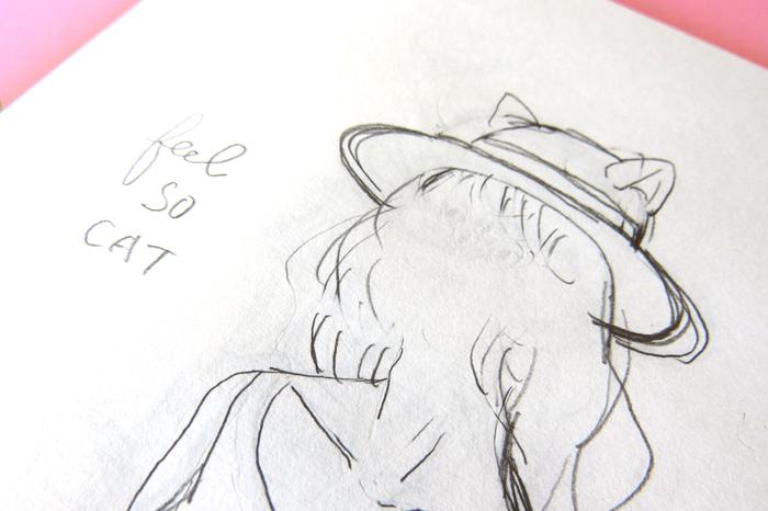 描かれたイラストのほとんどが鉛筆書き、鉛筆でないものはペンの直筆、文字や消しゴムの跡もたくさんついています。