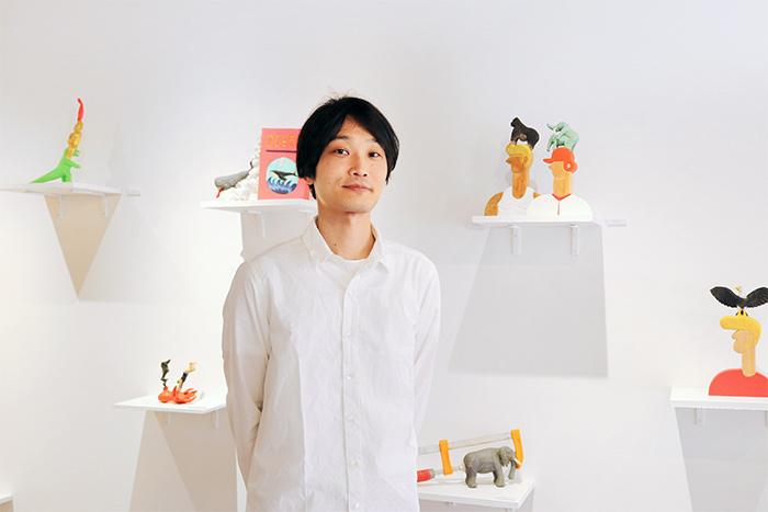 今回展示しているのは、大阪を拠点に活動する木彫作家・北浦和也さん。