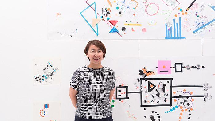 グラフィックデザイナー赤羽美和さんインタビュー|広告制作会社を退職後、フリーで活躍するまでの道のりと心がけ。