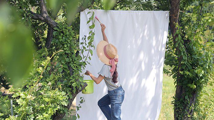 お庭がスタジオに?!DIYでつくる可愛い背景〜夏遊びの元気なイメージ〜