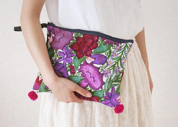 新入荷!シナカンタンの花刺繍ポーチ