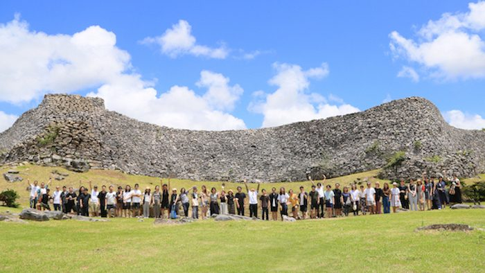 沖縄の穴場スポット!<br>本島から車で行ける離島「伊計島」で、1泊2日社員旅行の巻