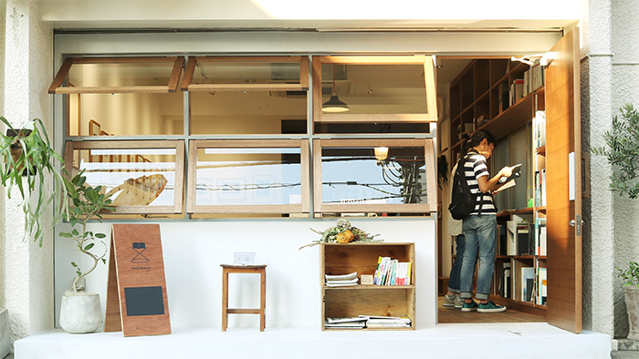 作品と人とをつなぐ写真集と古書のお店「book obscura」が吉祥寺・井の頭にOPEN