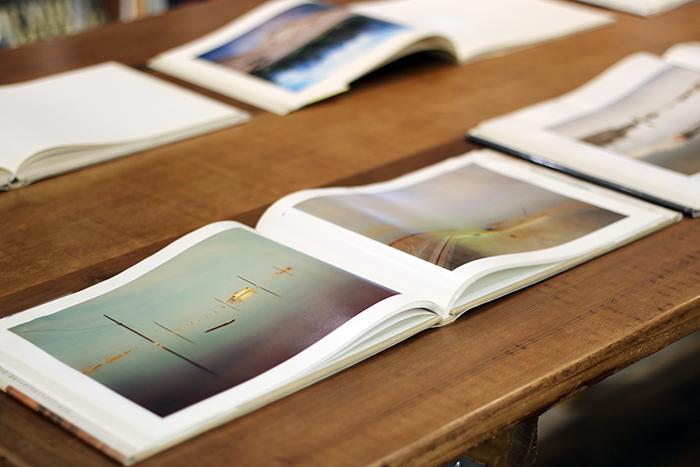 写真集は読むというよりも、感じるもの。お気に入りをみつけて何かをキャッチできたら嬉しいですね。