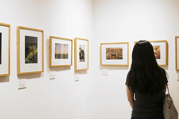 かしこまった感じではなく、お客さんが作品額をパーソナルスペースに飾ることをイメージできるようなギャラリーにしていきたいそうです。これからどんな展示が開催されるかとても楽しみ。