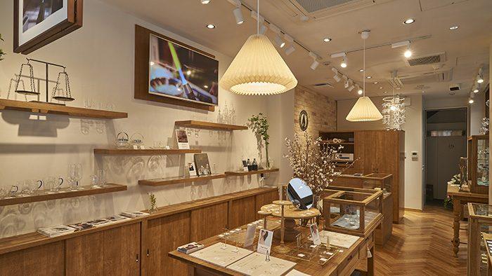日本橋室町にオープン!HARIO直営店のカフェとガラスのアクセサリーショップ「HARIO Cafe & Lampwork Factory」