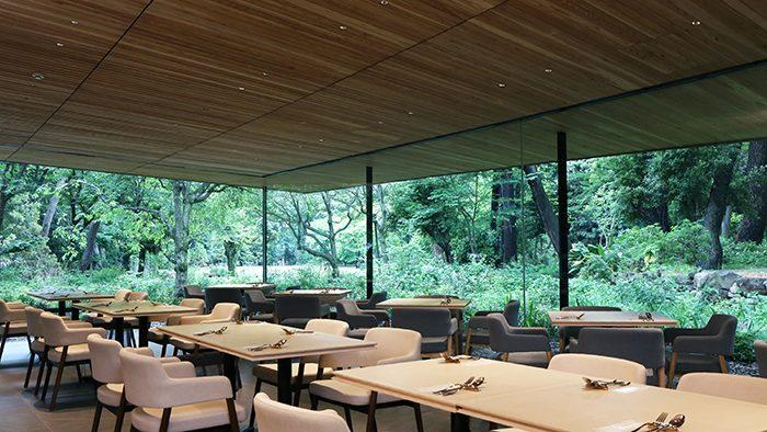 都会の喧騒を忘れ、ゆったりとした時間を過ごす。東京都庭園美術館にオープンした「Restaurant du Parc(レストラン デュ パルク)」