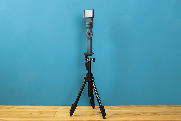 「OSMO MOBILE 2」は三脚撮影にも対応