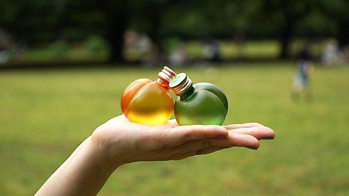 果実そのままの形がかわいい「ひとくち梅酒・アンズ酒」