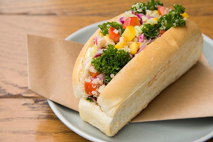 (7種の野菜を使った彩り鮮やかなサンドウィッチ『BORDEN』)
