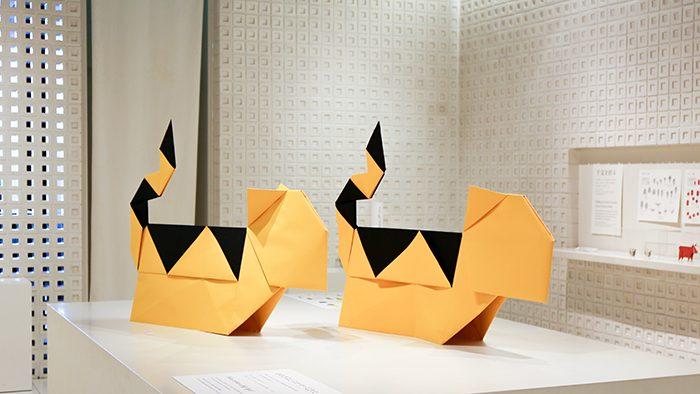 大きな折り紙の「虎」が迫力満点!とらや 東京ミッドタウン店ギャラリーにて開催中の「ORIGAMI」展に行ってきました。