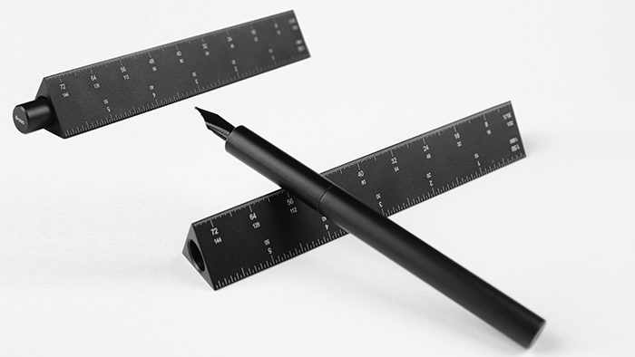 三角スケールと万年筆が一体化。ロサンゼルス生まれの「ESCALA」が日本初上陸!?