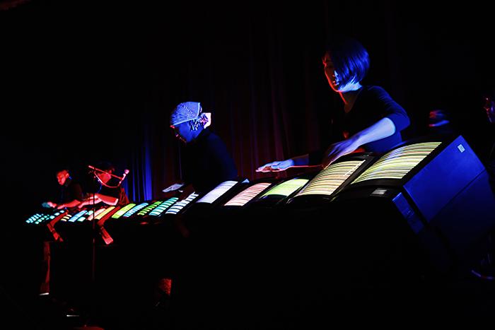 和田 永+ Nicos Orchest-Lab 《エレクトロニコス・ファンタスティコス》 撮影:Mao Yamamoto