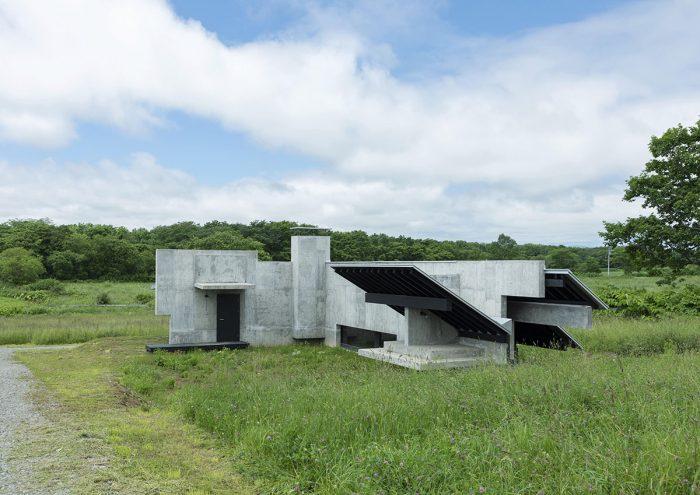 """厳しい寒さを楽しむホテル?!北海道広尾郡大樹町の""""建築の聖地""""に「Inverted House」がオープン"""