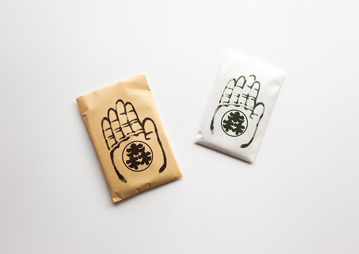 力強い大仏さまの手のパッケージが目印!東大寺南大門前・老舗漬物店の「きざみ奈良漬」