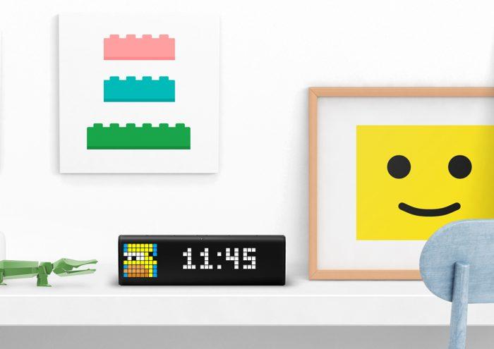 ドット絵がかわいい!イギリス生まれのスマートな置き時計「LaMetric Time」