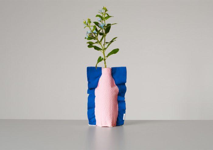 花のある生活をもっとサステナブルに。ペットボトルにかぶせて花瓶として使えるMOHEIM×TRICOTÈ「SILHOUETTE(シルエット)」