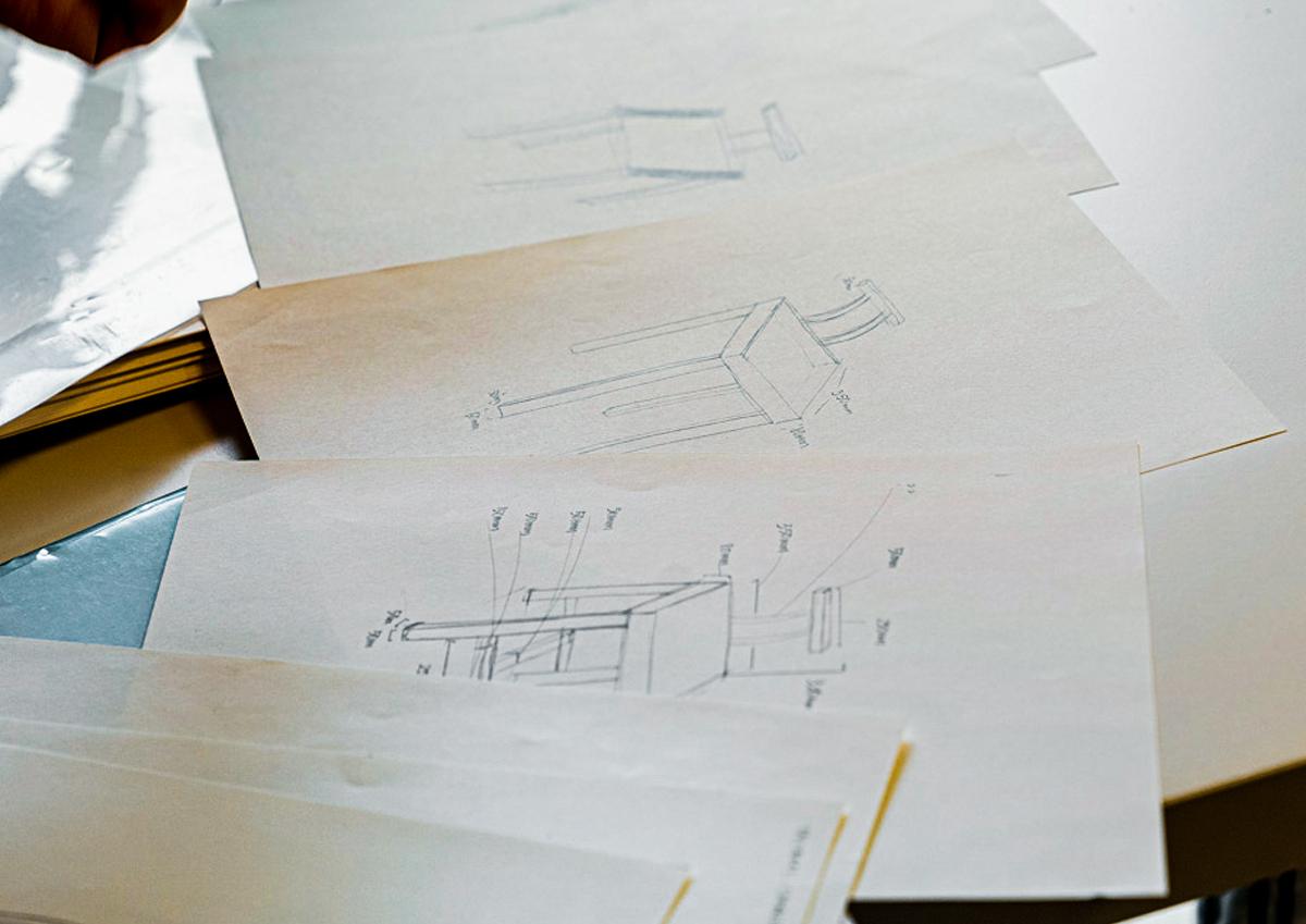 椅子制作時のデザインスケッチ