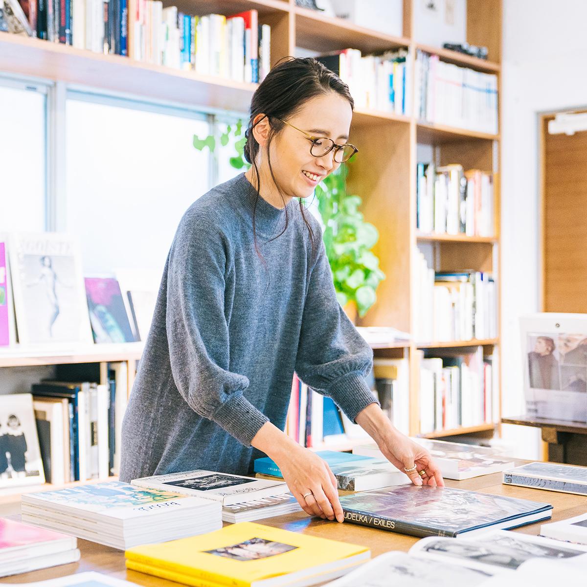 book obscura店主 黒﨑由衣さん