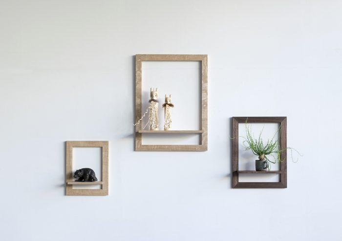 置いたものが主役に。絵のようにフレームを意識して物を置く感覚が新鮮な家具「shelf」