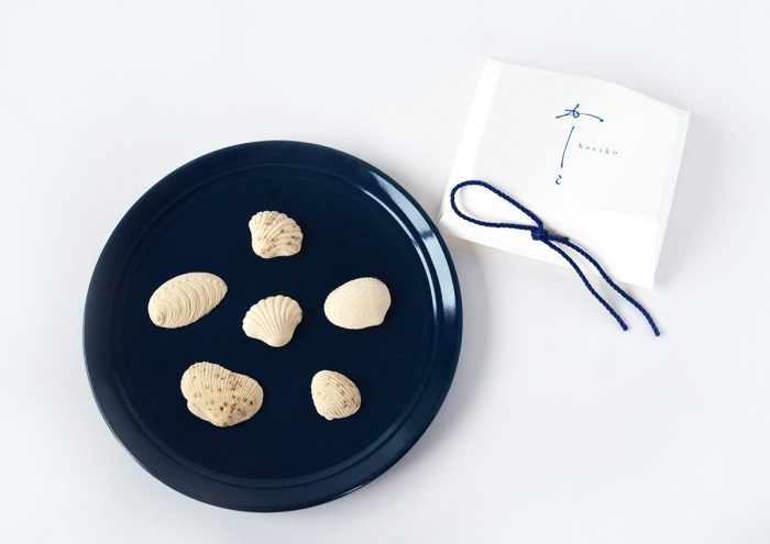 """百年前の木型で蘇る、美しく繊細な干菓子。 """"かしこ""""の「貝」が素敵!"""