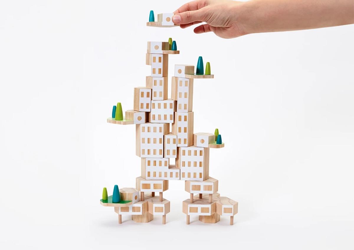 アメリカ発。クリエイティブにまちを作れる積み木のおもちゃ「Blockitecture Garden City」