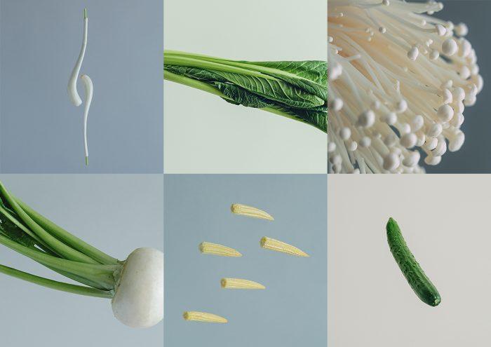 空中を気持ちよく遊泳している野菜たちの写真「Swim」
