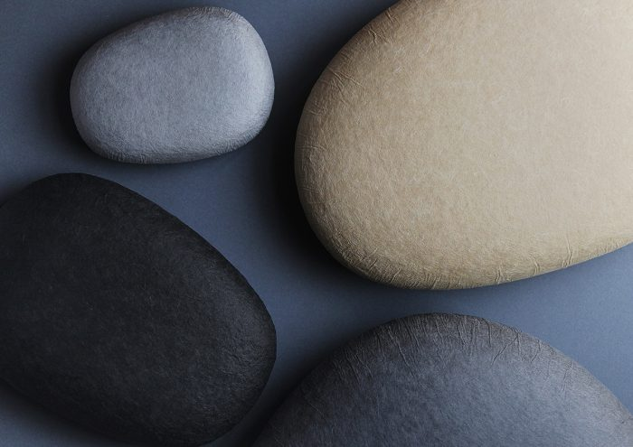 まるで本物の石みたい!美しい越前和紙の箱「harukami [cobble] 」