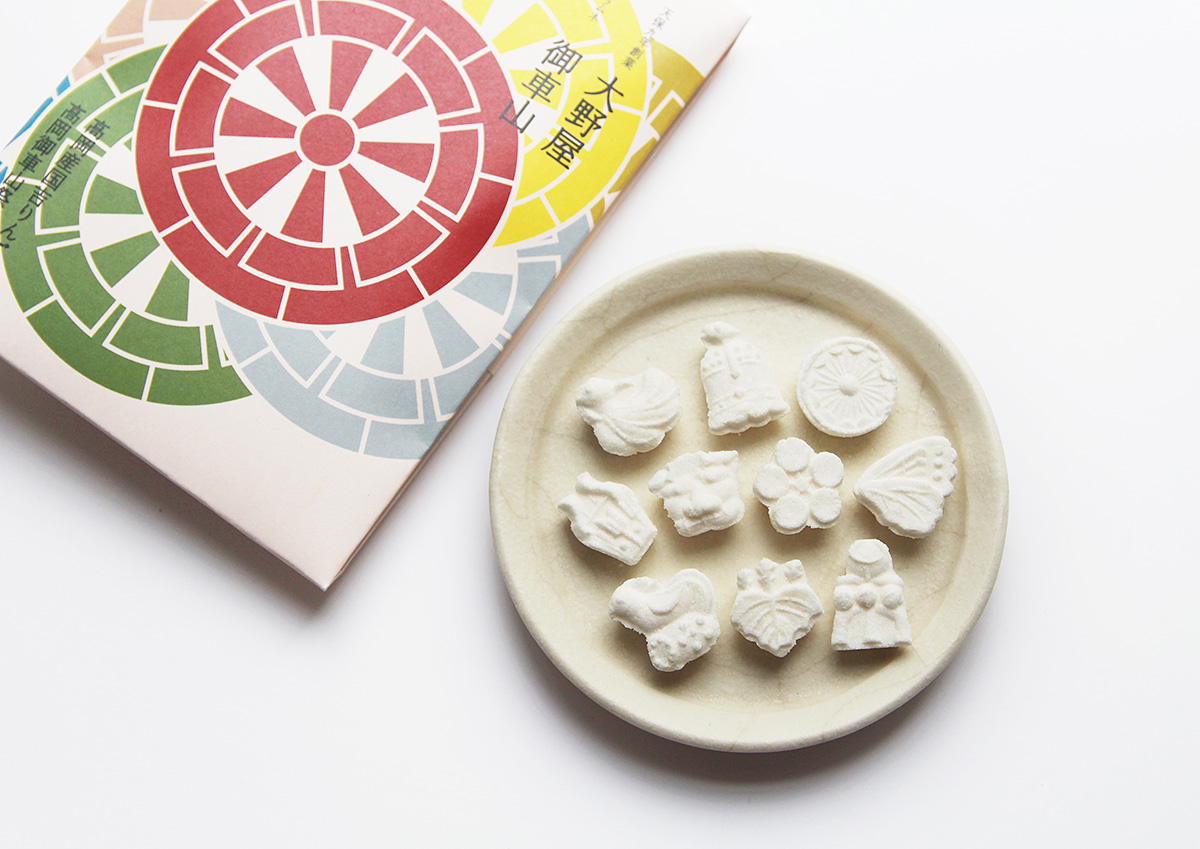 """富山の老舗菓子屋が和菓子の技を用いて作った""""大人が愉しめるラムネ""""「高岡ラムネ」"""