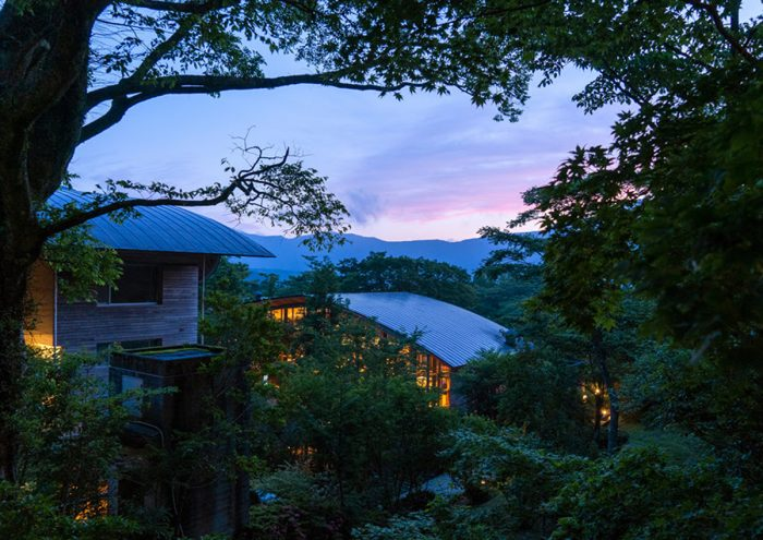 細部までこだわりの詰まったデザインにリニューアル。「箱根リトリート före & villa 1/f」で心穏やかなひとときを。
