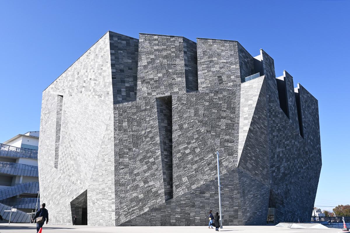 図書館・美術館・博物館が融合した、全く新しい文化施設「角川武蔵野ミュージアム」に行ってきました!