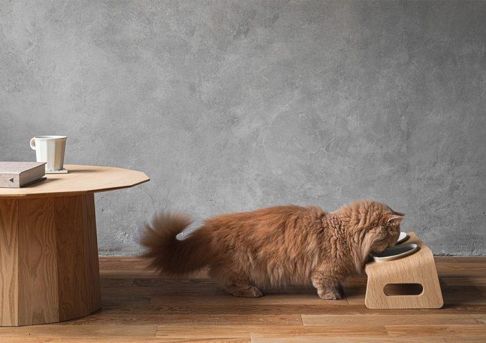 猫好きさん必見!KARIMOKU CATから猫ちゃん用のテーブルセット「KARIMOKU CAT TABLE」が登場