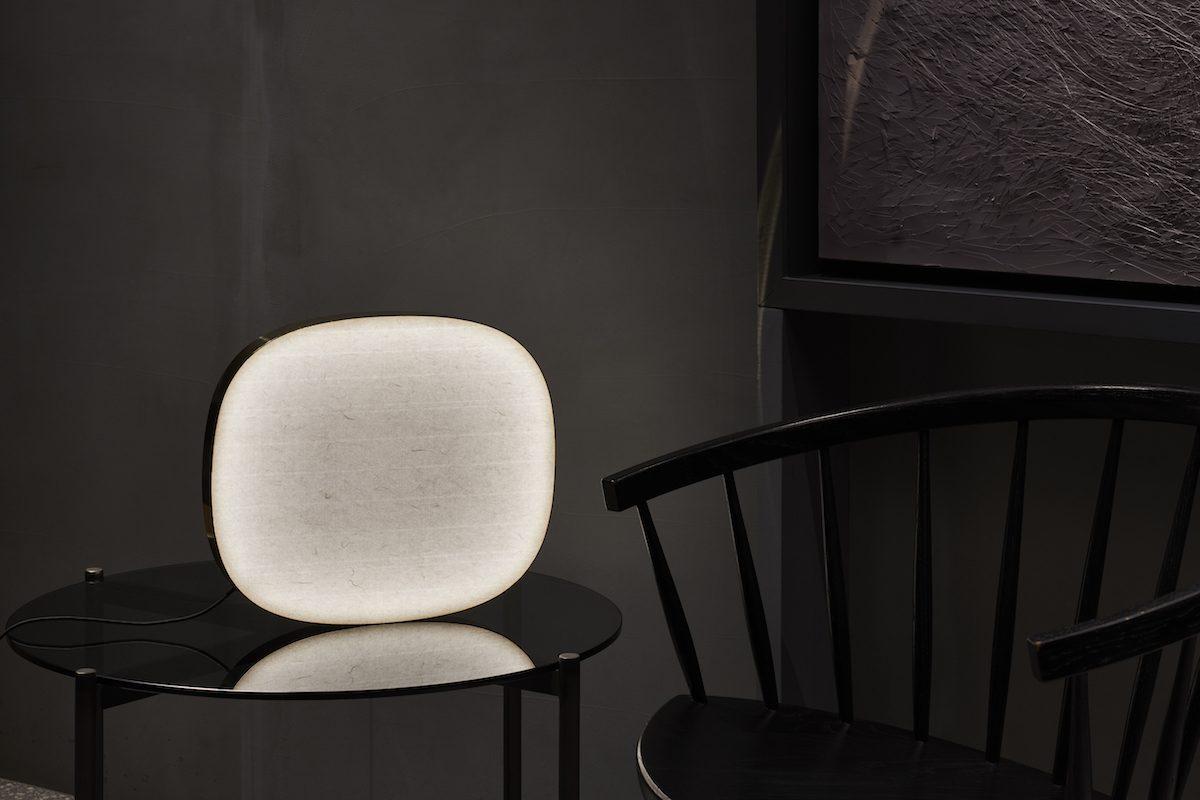 和紙を通して生まれる、美しい光をインテリアに。置き型照明「and-on」