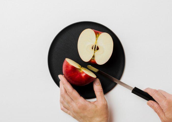 「お皿の上で食材を切りたい」という悩みを解決。まな板になるお皿「CHOPLATE(チョップレート)」