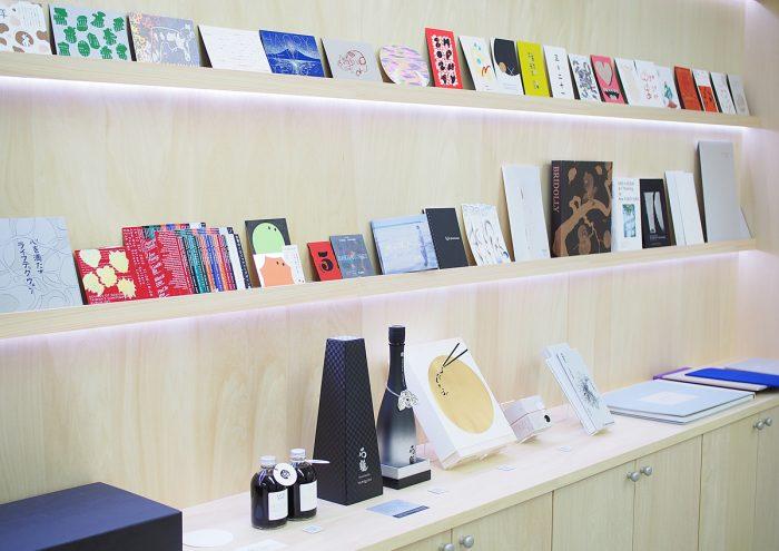 新宿にオープン!特殊印刷加工の実例がみられる「EP」ショールームに行ってきました。