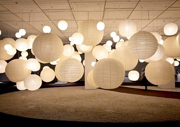 光に包まれる大規模インスタレーションに注目。上野・東京都美術館で「イサム・ノグチ 発見の道」が開催中!