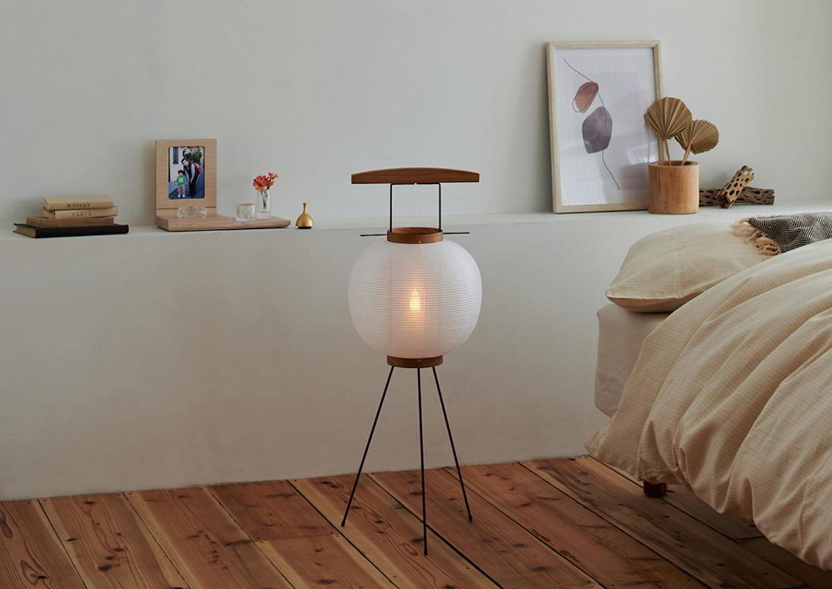 伝統的な様式を守りながら現代のライフスタイルに合わせて使える、盆提灯「AGASATO」・「TSUDOI」