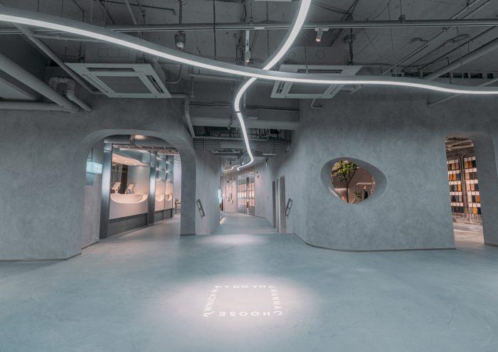 デジタルとリアルを融合した未来のショッピング空間。西武渋谷店パーキング館1階にオープンした「CHOOSEBASE SHIBUYA」が気になる!