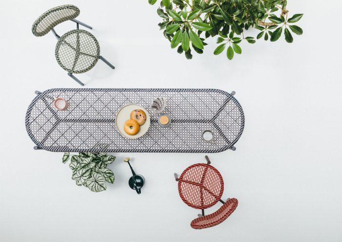 円と直線で構成されたデザイン。テラスやベランダにぴったりのアウトドアファニチャー「PATIO PETITE WA Series」